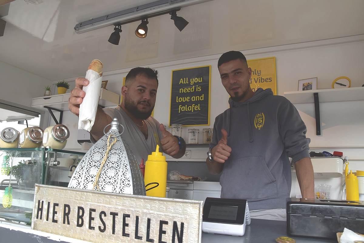 ehsan arabic street food vegan Friday4Future Oldenburg und Zukunftsmarkt Parents4Future 190927 Foto GrAbo