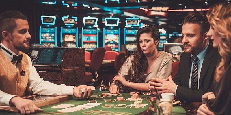 Верхнее казино игровые аппараты в покерных клубах
